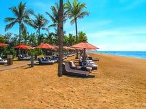 巴厘岛,印度尼西亚- thr海滩看法  免版税库存照片
