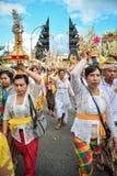 巴厘语人在Pulasari ` s寺庙的` s仪式 免版税图库摄影