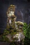 巴厘语石头雕象在印度寺庙 图库摄影