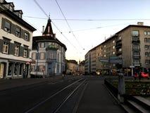 巴塞尔,瑞士- 2016年11月4日:有街道视图主要铁路的老镇在冬天季节的 库存照片