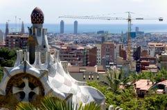 巴塞罗那公园荡平西班牙城镇视图 库存照片