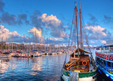 巴塞罗那小船港口 免版税图库摄影