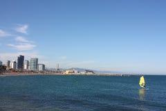巴塞罗那市海岸视图 免版税库存图片