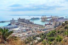 巴塞罗那港的看法从Montjuic的 卡塔龙尼亚西班牙2017年9月 免版税库存图片
