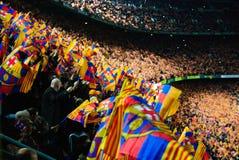 巴塞罗那足球俱乐部足球比赛- tifo显示 库存图片