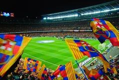 巴塞罗那足球俱乐部Athletico马德里的足球比赛在阵营Nou 库存照片