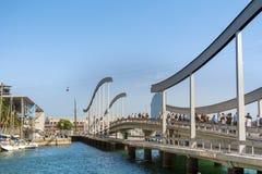 巴塞罗那,西班牙港在一多云天 免版税库存照片