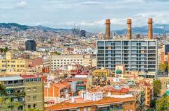 巴塞罗那,西班牙语卡塔龙尼亚房子的看法  免版税库存图片