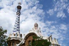 巴塞罗那,西班牙- 2017年8月30日, :入口的看法对公园Guell的安东尼Gaudi,卡塔龙尼亚 免版税库存照片