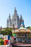 巴塞罗那,西班牙- 2016年7月13日:耶稣的耶稣圣心的赎罪的教会看法从Tibidabo自由范围的在Barcelon 库存图片