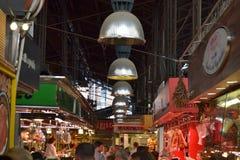 巴塞罗那10月2017年, 食物中止在Boqueria市场上 库存照片