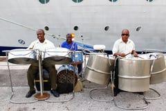 巴布达-巡航码头钢鼓范围 免版税库存照片