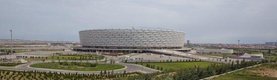 巴库,阿塞拜疆:比赛天在巴库奥林匹克体育场 有绿叶在巴库奥林匹克体育场附近 免版税库存照片