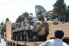 巴库,阿塞拜疆- 2018年6月26日-军事游行在巴库,阿塞拜疆在军队天 庆祝胳膊的100th周年阿塞拜疆 库存照片