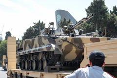巴库,阿塞拜疆- 2018年6月26日-军事游行在巴库,阿塞拜疆在军队天 庆祝胳膊的100th周年阿塞拜疆 免版税库存照片