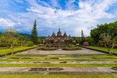 巴恩贾尔佛教寺庙在海岛巴厘岛印度尼西亚 库存图片