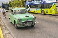 巴拉德罗角,古巴- 2018年1月05日:经典美国减速火箭的汽车ri 库存照片