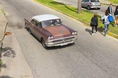 巴拉德罗角,古巴- 2018年1月05日:经典美国减速火箭的汽车ri 库存图片