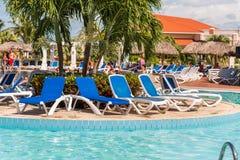 巴拉德罗角,马坦萨斯,古巴- 2017年5月18日:游泳池的看法在站点的 复制文本的空间 图库摄影