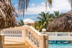 巴拉德罗角,马坦萨斯,古巴- 2017年5月18日:游泳池的看法在站点的 特写镜头 免版税库存图片