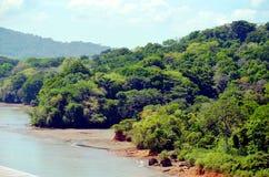 巴拿马运河的风景 免版税库存照片
