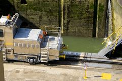 巴拿马运河骡子  免版税库存照片