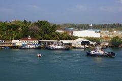 巴拿马运河,拖轮 免版税图库摄影