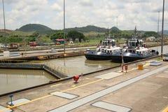 巴拿马运河,米拉弗洛雷斯,巴拿马 库存照片