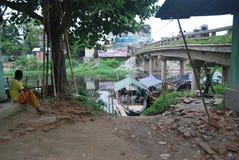 巴斯拉市Buriganga河,达卡,孟加拉国点视图  库存照片