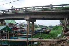 巴斯拉市Buriganga河,达卡,孟加拉国点视图  图库摄影
