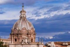 巴洛克式的圆顶在罗马 库存图片