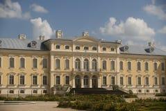 巴洛克式的城堡拉脱维亚rundale 免版税图库摄影