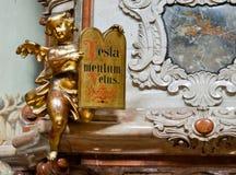 巴洛克式的天使小雕象 免版税图库摄影