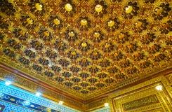 巴洛克式的天花板在Manial宫殿,开罗,埃及清真寺  图库摄影