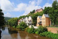 巴特克罗伊茨纳赫都市风景有它的历史房子和vineya的 库存图片