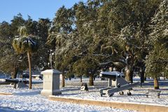 巴特里公园在查尔斯顿, SC,在2018年暴风雪以后 库存照片