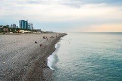 巴统,乔治亚- 16 06 2018年:海滩的很少人在巴统 库存图片