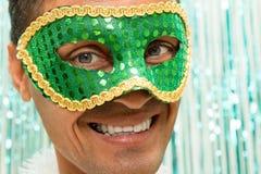 巴西人和微笑戴着Carnaval面具 Celebratio 库存照片