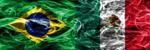 巴西对墨西哥肩并肩被安置的烟旗子 向量例证