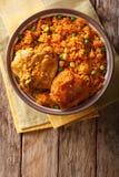 巴西食物:鸡肉和大米在a的Galinhada Mineira特写镜头 免版税图库摄影