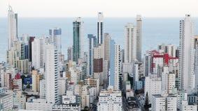 巴西, Balneario Camboriu, 02 11 2017年:从t的空中城市视图 库存图片