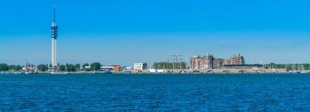 巴达维亚避风港大厦和港口 库存图片
