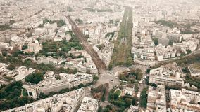 巴黎、地铁铁路轨道和都市风景,法国地下墓穴空中射击  股票视频
