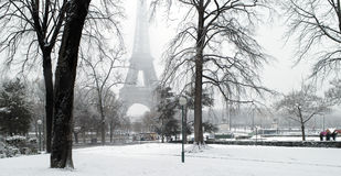 巴黎下雪trocadero 库存照片