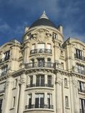 巴黎人古老的大厦 免版税库存照片