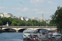 巴黎和塞纳河 库存照片