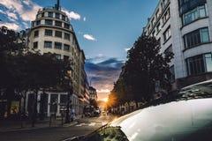 巴黎在黄昏的街视图 库存图片