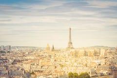 巴黎地平线有埃佛尔铁塔的 库存照片