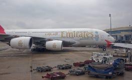 巴黎巴黎夏尔・戴高乐机场 飞机为起飞做准备 库存图片
