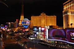 巴黎旅馆和赌博娱乐场、拉斯维加斯、小条、行星好莱坞渡假胜地和娱乐场,夜,大都会,地标,城市 库存图片